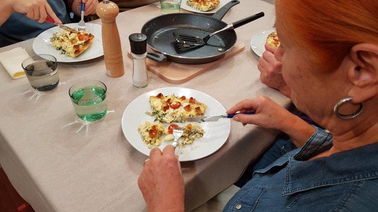 Blumenkohl-Mangold-Frittata mit Schafskäse