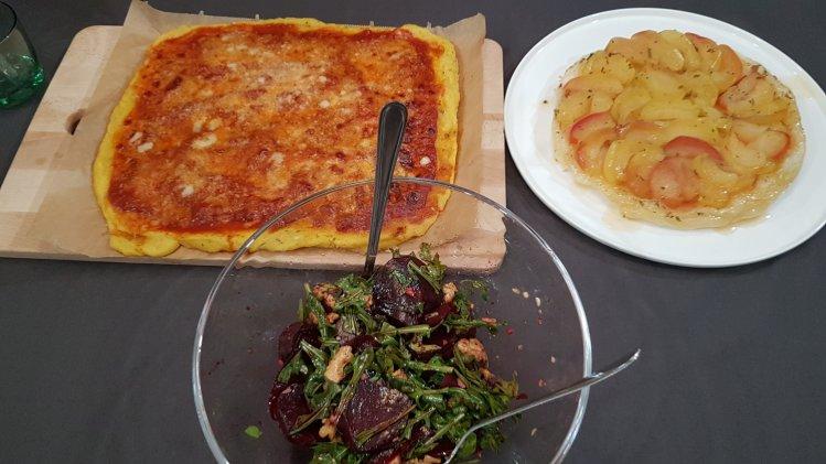 Überbackene Polentaschnitten mit Rote Bete-Salat und Tarte Tatin