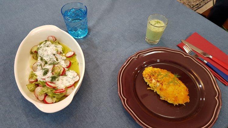 Seelachs in der Kartoffelkruste mit Radieschen-Gurken-Salat