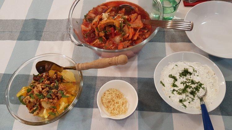 Borschtsch mit Roter Bete, Weißkohl und Rindfleisch