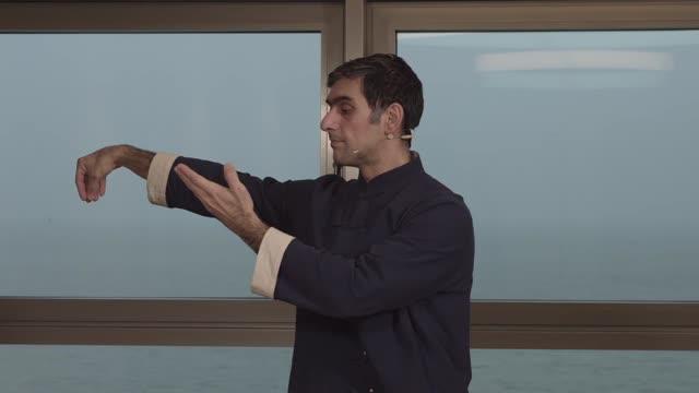 Folge 10: Tai Chi mit Ali Djassemi - Die Einfache Peitsche