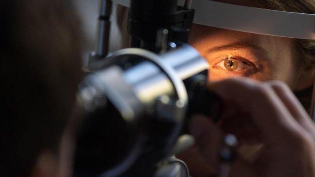 Grauer Star, Glaukom, AMD:  typische Augenkrankheiten im Alter