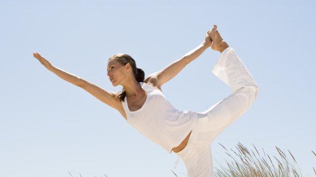 Körperübungen aus Indien: Fakten rund ums Yoga