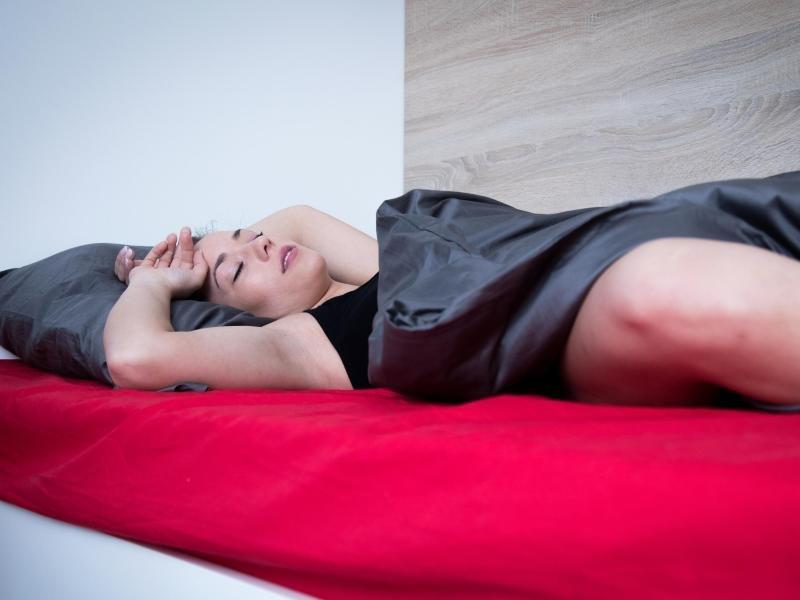 Duschen und Lüften: Schlafforscher-Tipps für Hitzenächte