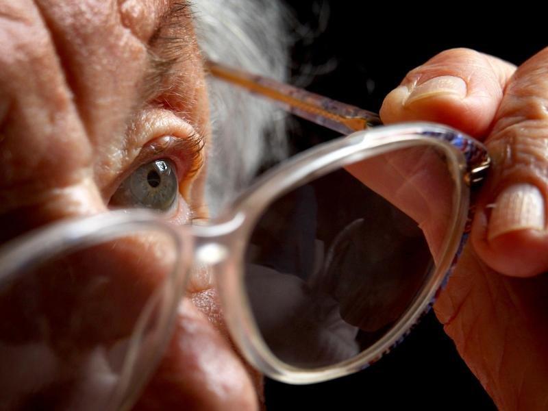 Plötzlicher Sehverlust: Augenlicht verblasst in Sekunden