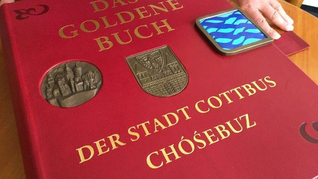 Neues Goldenes Buch der Stadt-Image