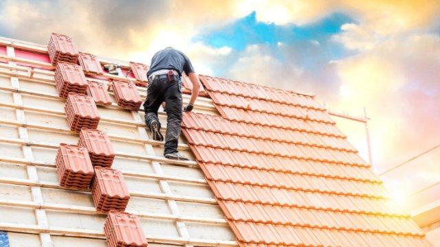 Mehr Geld für Dachdecker-Image