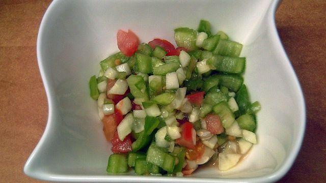 Gekräutertes Gazpacho-Gemüse mit Kapern-Image