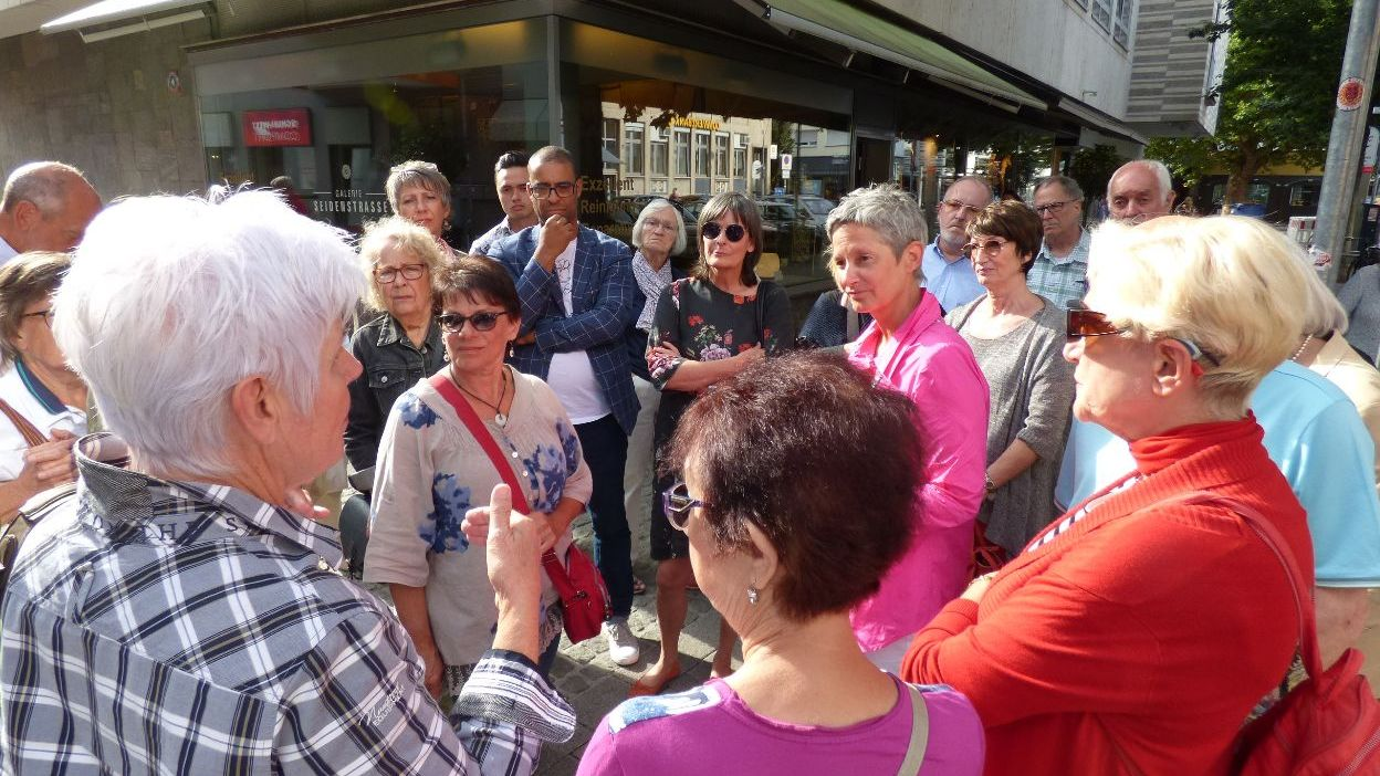 Stadtbegehung mit Bürgermeisterin Beate Kimmel erhält große Resonanz-Image