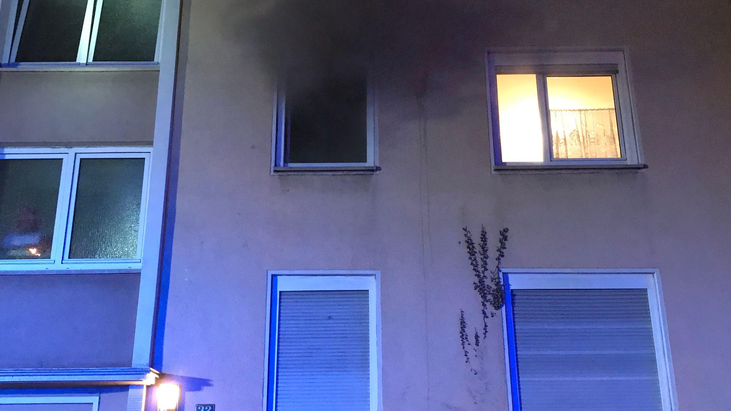 Brand in einem Mehrfamilienhaus in der Innenstadt-Image