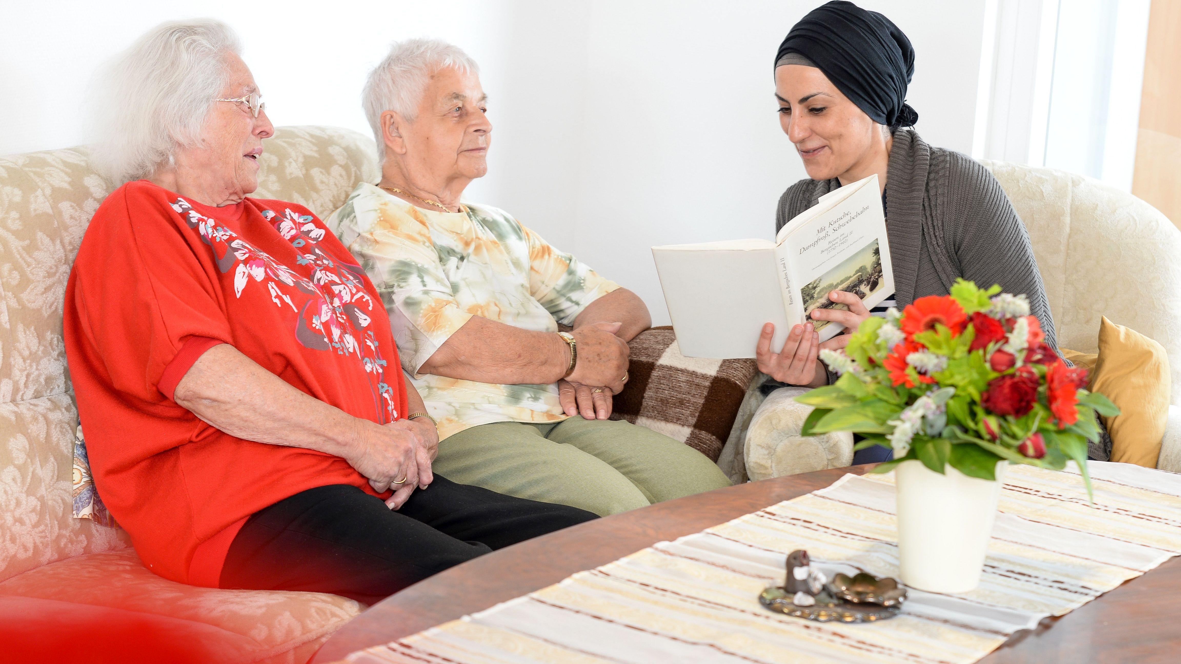 Altenheimbesuch im Rahmen eines neuen Angebots der Malteser-Image