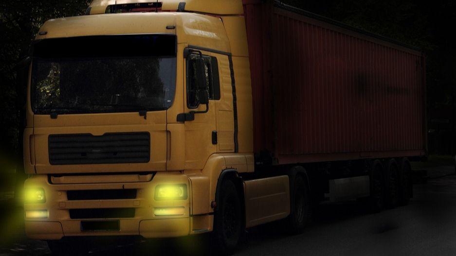 LKW-Fahrer beschädigt Hauswand in Otterberg-Image