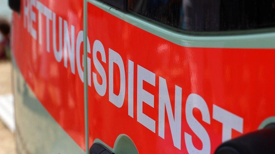 Vier verletzte Personen bei Autounfall bei Eisenberg-Image