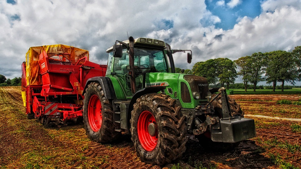 Landwirte aus der Westpfalz mit Traktorenkette heute in Mainz-Image