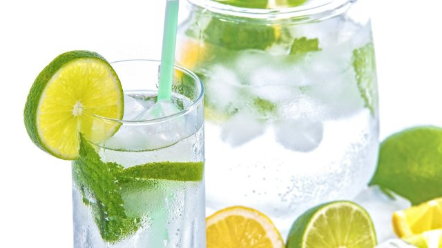 Selbstgemachte Kräuter-Limonade-Image