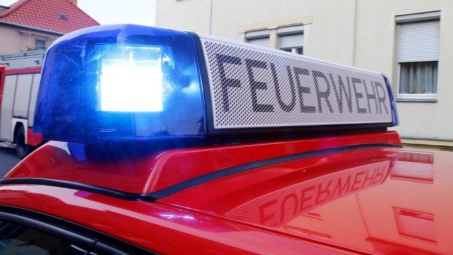Feuerwehreinsatz in Otterberg: Mann stürzt in abschüssigen Garten-Image
